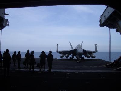 F16_on_elevator